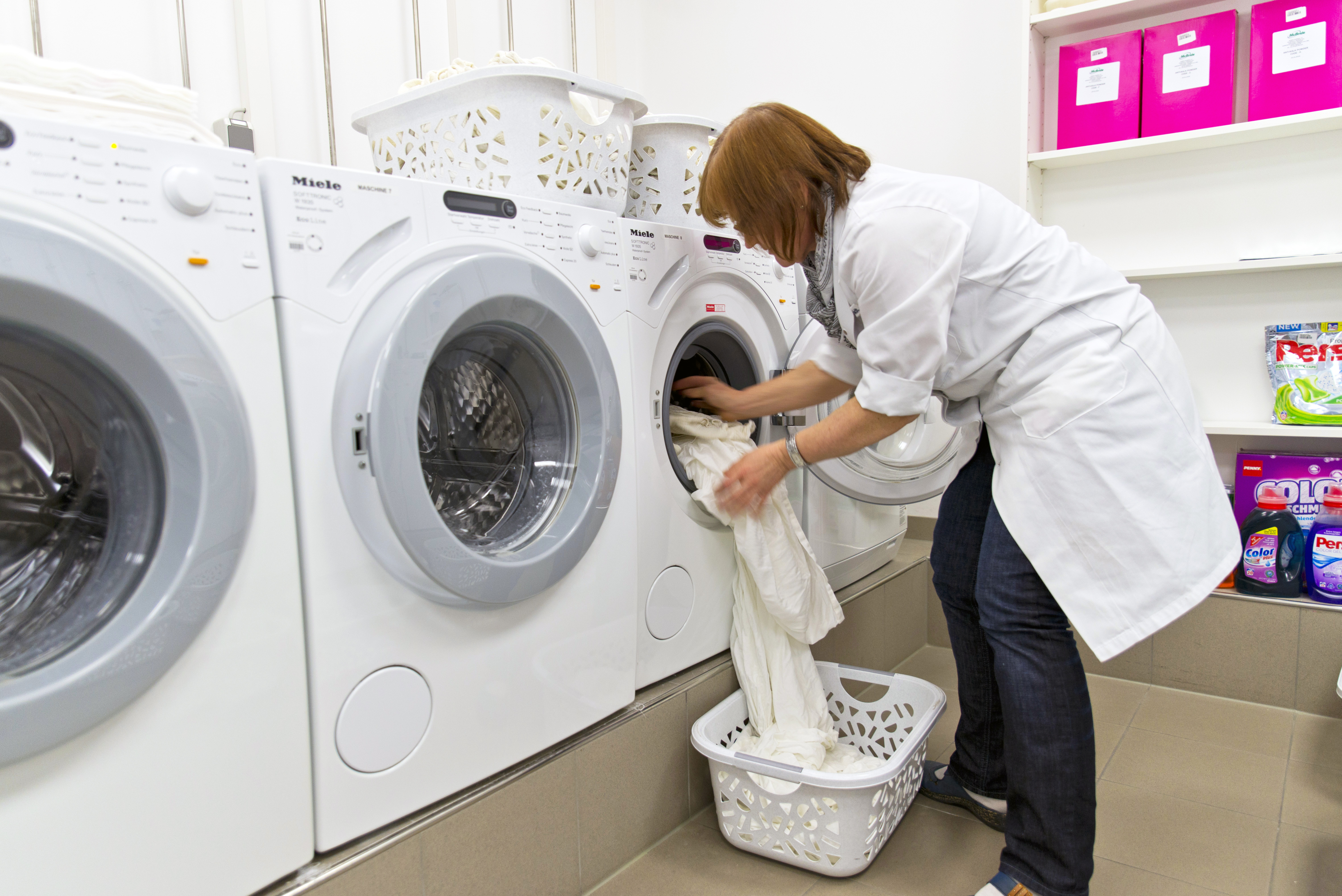 The test was carried out in Miele washing machines (W1514) at a temperature of 40° C and with a water hardness of 15 dH. Photo: Tobias Meyer